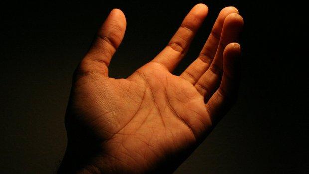 Spojite palac i mali prst: Ako vam se pojavi OVO – niste ni svesni koliko ste posebni