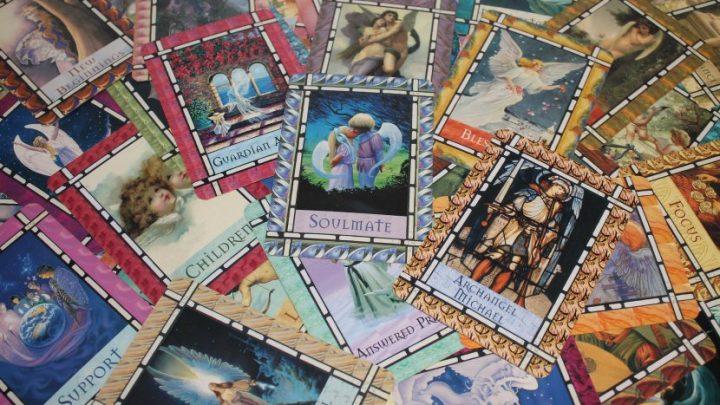 Svaki znak ima svoju TAROT KARTU: Saznajte koja je vaša i kakvu vam BUDUĆNOST PREDVIĐA