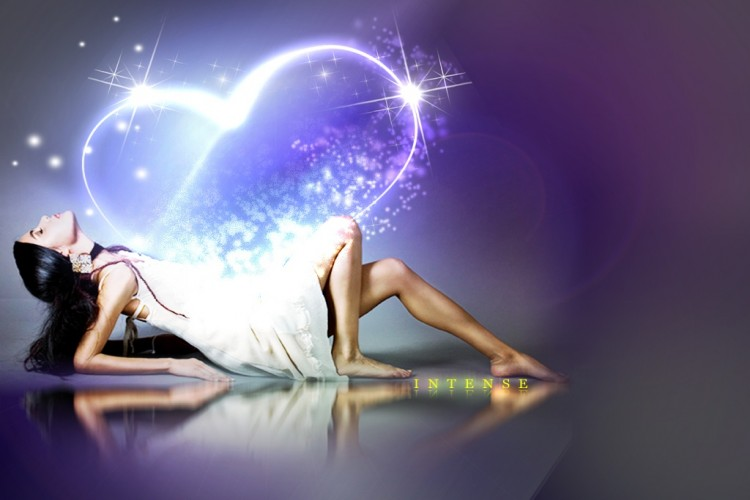VIKEND HOROSKOP: Sudbinska ljubav kuca na vrata OVIH ZNAKOVA, a sve počinje danas, na BADNJI DAN