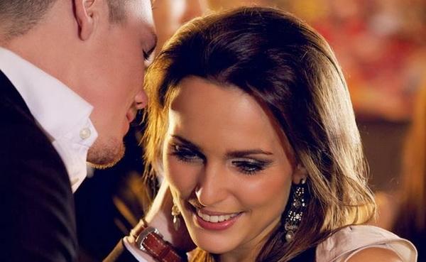 TEBE LAŽE, A DRUGU VOLI: 6 znakova koji otkrivaju da je on zaljubljen, ali NE U TEBE