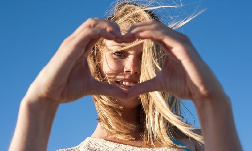AKO SPOJITE DLANOVE, SAZNAĆETE MNOGO TOGA: Evo šta linije srca na dlanu otkrivaju o LJUBAVNIM ODNOSIMA!
