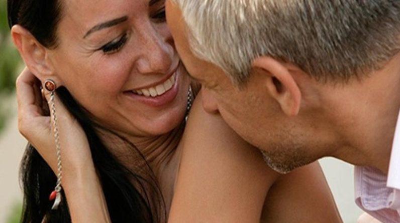 dating dating za više od 40 godinaizlazak s prijateljima i spašavanje